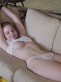 Flexible rc sucks her toes while dildoing - 3 2